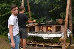 Lagerbaute: Kochstelle + Köche