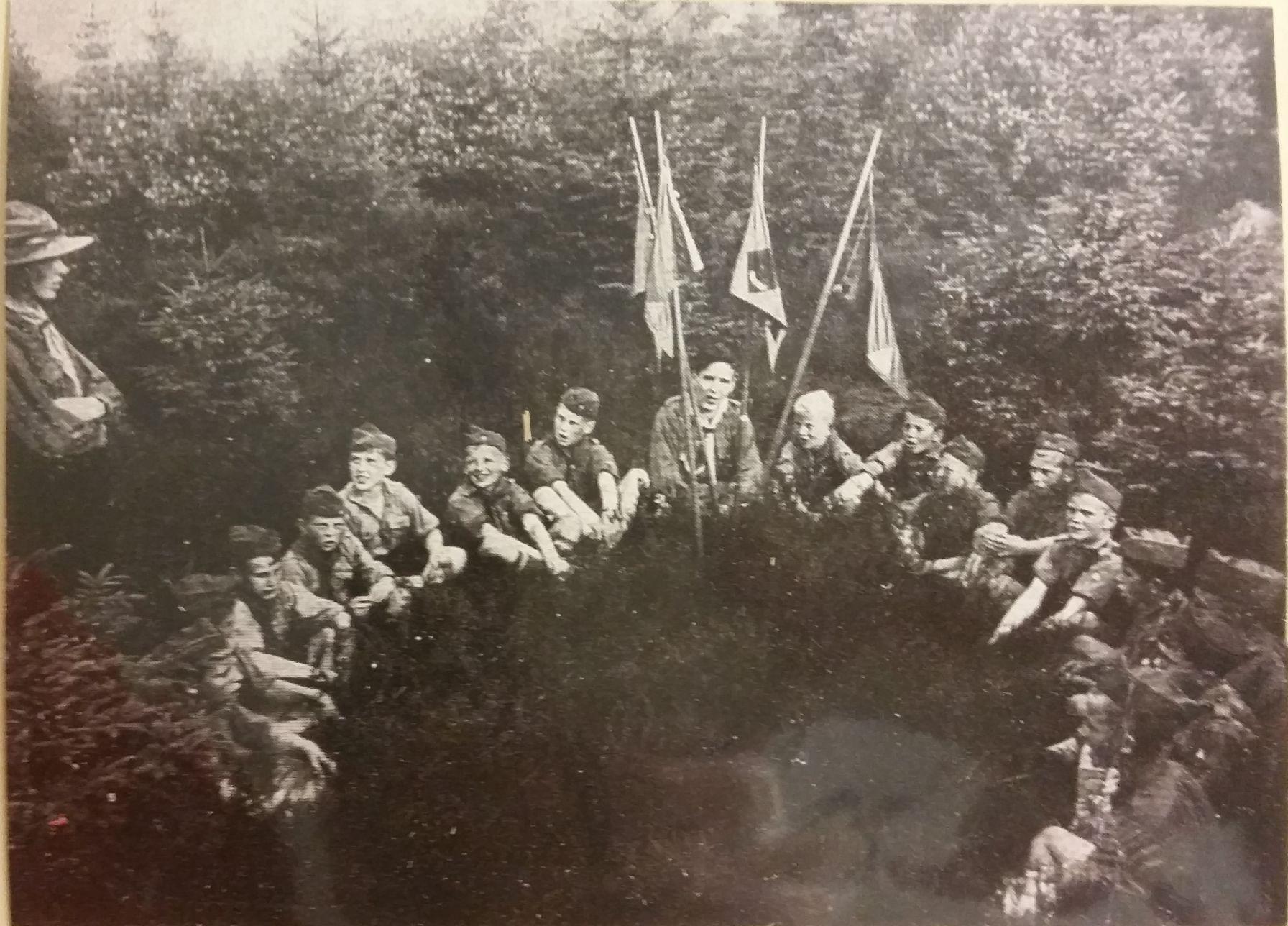 Erste Wölflingsmeute in Büsbach 1930